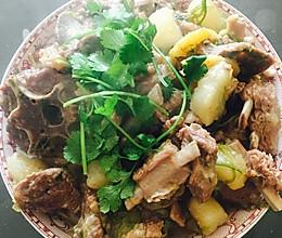 炖羊肉白萝卜的做法