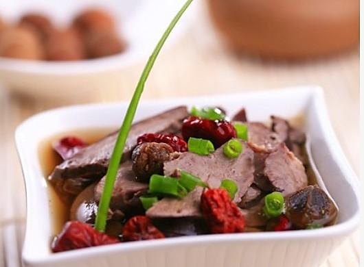 爱心美食:猪心红枣汤