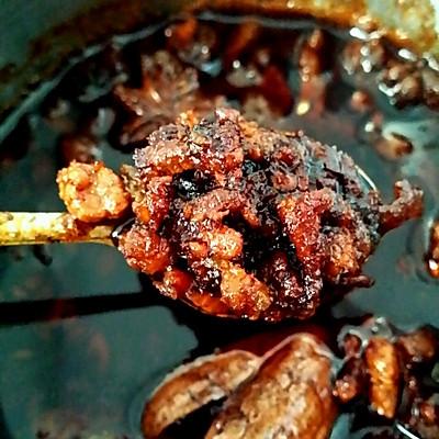云南吃米线的焖肉(肉帽子)杂酱
