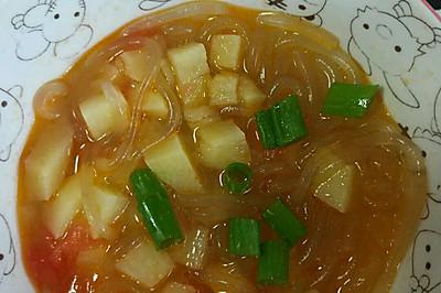 西红柿粉条炖土豆