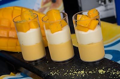 芒果芝士奶冻杯