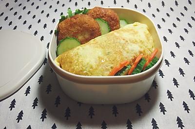 日式便当:蔬菜蛋包饭+可乐饼