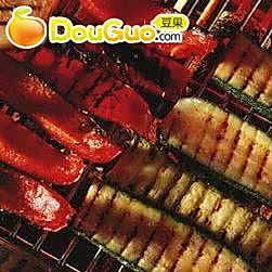 烧烤牛排和蔬菜的做法