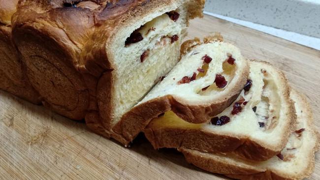 蔓越莓面包(面包机版)的做法