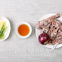 秋季煲汤食谱:香浓牛脊骨汤(15分钟快速煲汤)的做法图解1