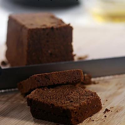 浓郁榛子巧克力蛋糕