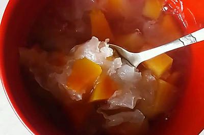 木瓜银耳汤。