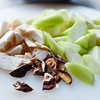 素食记—丝瓜菌菇炖的做法图解2