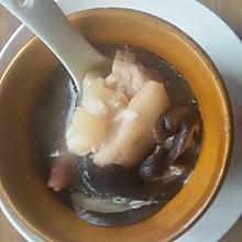 炖盅猪手黄豆花生山药香菇煲