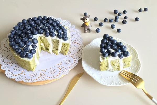 蓝莓抹茶漩涡蛋糕#有颜值的实力派#的做法