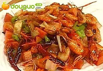 泡菜爆河虾的做法
