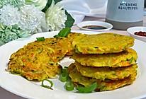 #十分钟开学元气早餐#土豆胡萝卜角瓜鸡蛋饼的做法
