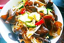 凉拌黑木耳和金针菇的做法