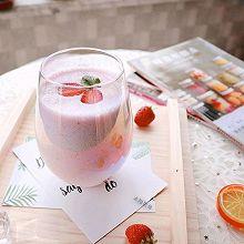 草莓酸奶慕斯饮 #百变水果花样吃#