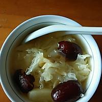 银耳雪梨桂圆汤的做法图解2
