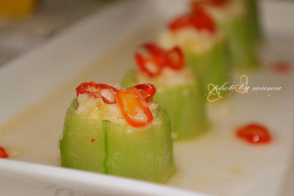 清凉一夏的消暑菜----蒜蓉丝瓜盅的做法