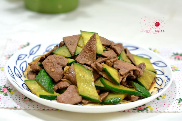 黄瓜炒猪肝的做法