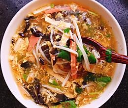 家常美味酸辣汤,喝三碗都不够的做法