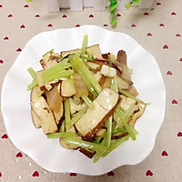 芹菜香干炒腊肉的做法图解10
