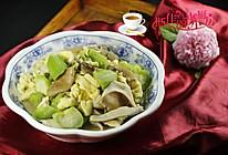 猪肚菇丝瓜炒鸡蛋的做法