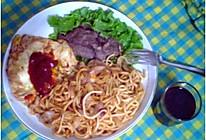 中式牛排+自酿红酒+番茄炒面(一人量)的做法
