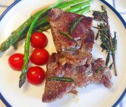 #餐桌上的春日限定#黄油煎牛排的做法