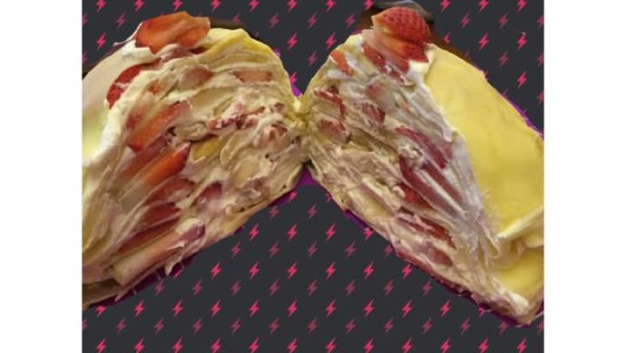 草莓香蕉双拼千层蛋糕