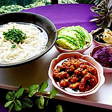 辣肉面·上海味道·蜜桃爱营养师私厨 苏式面馆的招牌