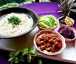 辣肉面·上海味道·蜜桃爱营养师私厨 苏式面馆的招牌的做法