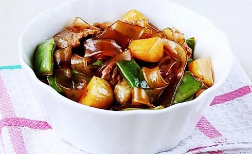 豆角土豆炖宽粉的做法