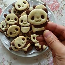表情多多的小熊猫饼干