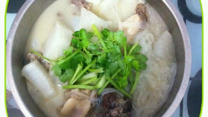 羊排棒子骨萝卜粉丝汤