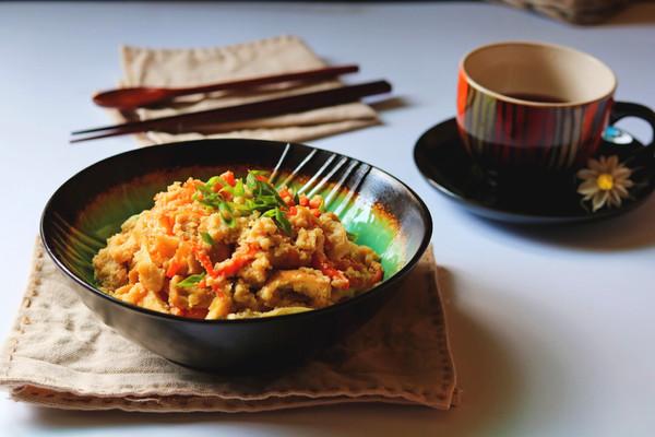 油豆腐拌炒豆渣的做法