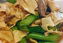 #餐桌上的春日限定#芦笋烧豆腐皮的做法