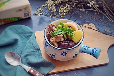 猪尾骨莲藕汤