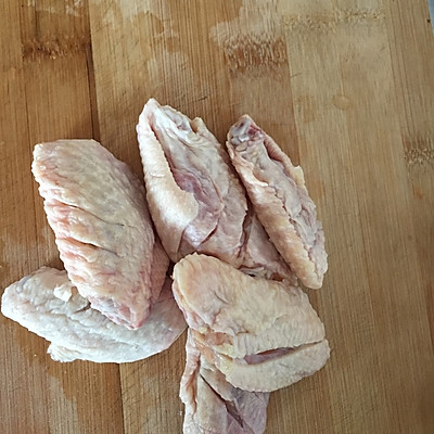 香菇炖鸡翅的做法 步骤4