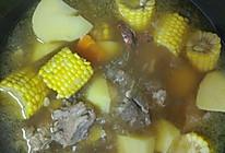 土豆玉米排骨汤的做法