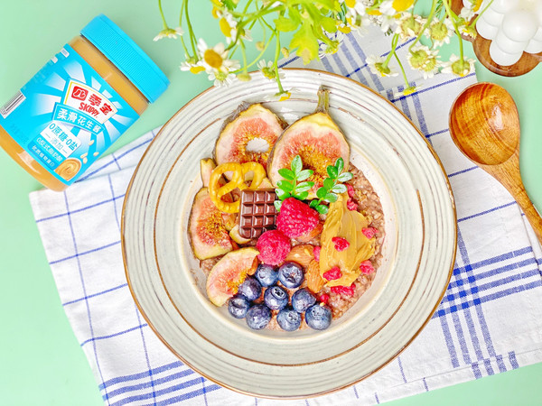减脂期也可以吃的花生酱可可燕麦粥