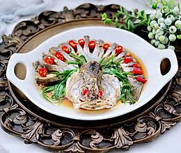 #合理膳食 营养健康进家庭#鲜掉眉毛的清蒸鲈鱼的做法