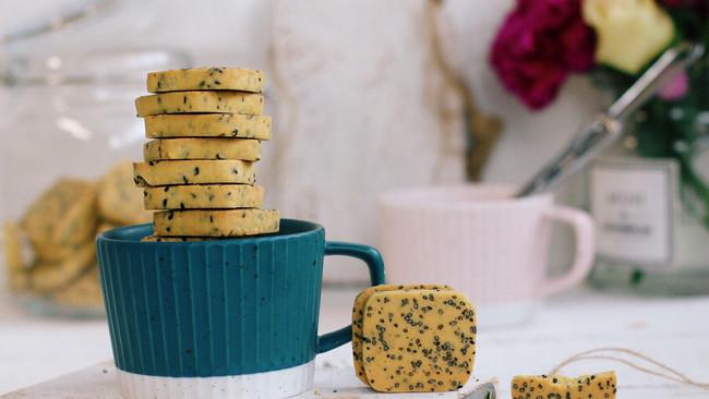 黑芝麻奶酥饼干的做法