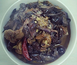 东北野生红蘑炖小公鸡的做法