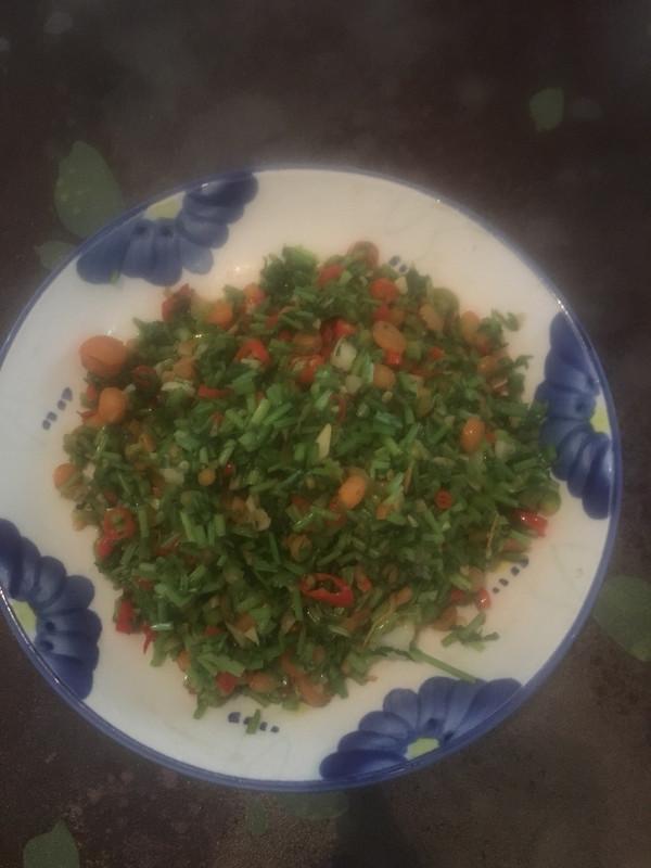 红萝卜缨子的做法