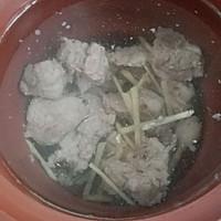 海带排骨汤的做法图解3