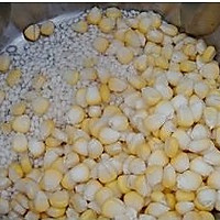 甜糯鲜玉米糊的做法图解3