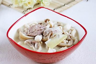 双菇羊肉煲