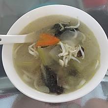 太湖银鱼什锦蔬菜汤