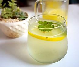 排毒养颜水:柠檬薄荷水的做法