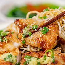 #我们约饭吧#葱姜鸡扒捞丁丨极品泡面