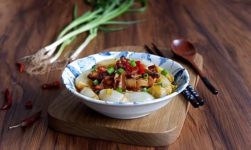 香菇腊肉娃娃菜的做法
