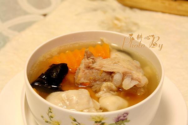 大喜大牛肉粉试用之一鱼鳔南瓜排骨汤的做法
